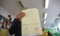 rzewodniczący komisji wyborczej będzie zobligowany do sprawdzenia każdej karty do głosowania i ogłoszenia reszcie członków, czy głos jest ważny. Fot. Wit Hadło