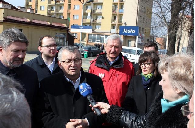 Podkarpacie zasługuje na zrównoważony rozwój – wizyta Ministra Andrzeja Adamczyka w Jaśle
