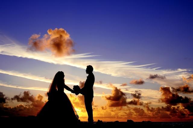 Zaproszenia na ślub - jak i kiedy je sformułować?