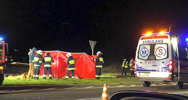 Wypadek w Warzycach. Na miejscu zginął motocyklista (foto)