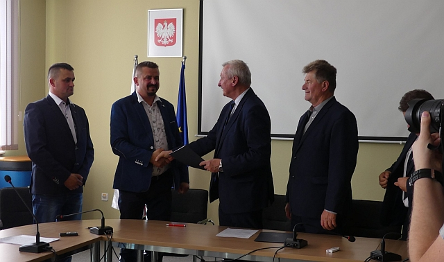Podpisano umowę na Ośrodek Edukacji Ekologicznej w Ożennej