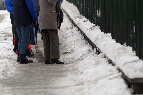Ostrzeżenie o marznących opadach – 21 grudnia. Będzie ślisko!